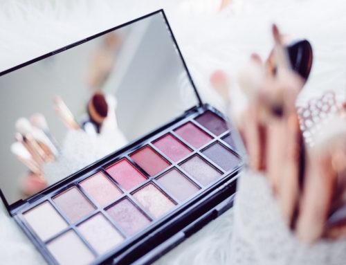 Make-Up für Mädchen: Ab welchem Alter darf man sich schminken
