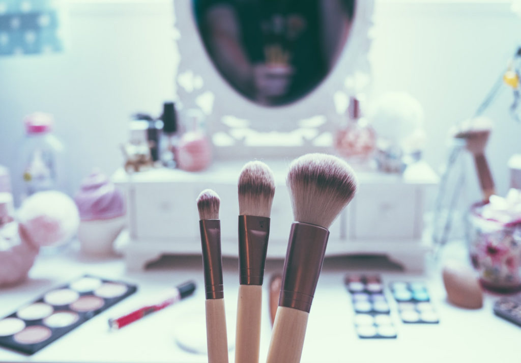 Kindergesichter schminken? Ab welchem Alter ist Make-Up für Kinder in Ordnung?