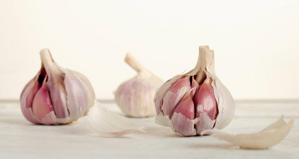 Knoblauch hilft gegen Warzen; Tipps zum Warzen bekämpfen