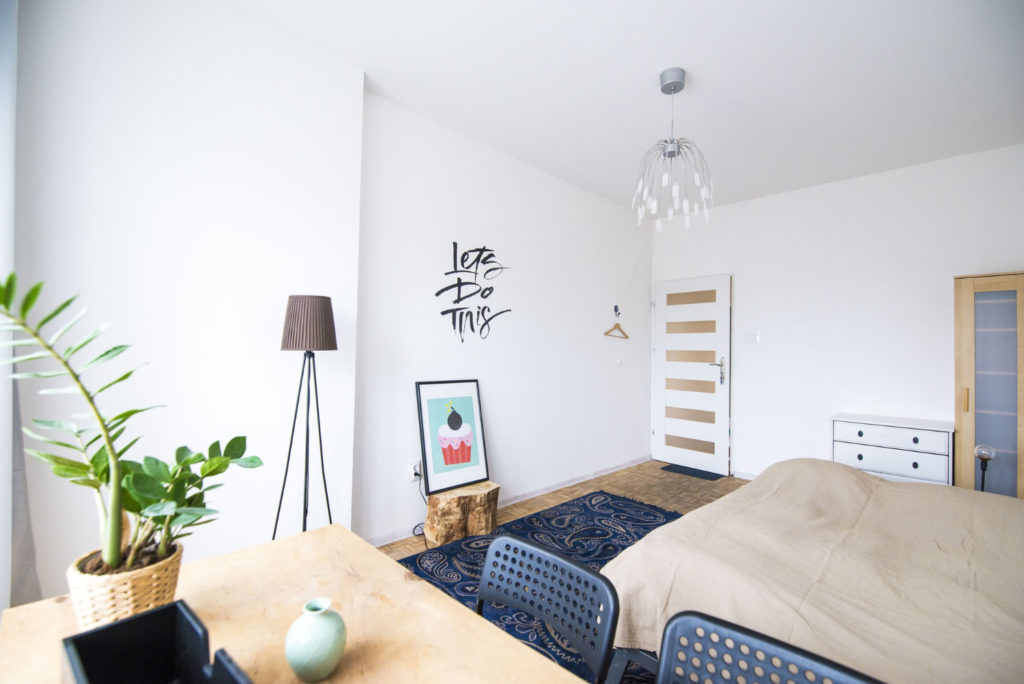 Zimmerpflanzen bringen Natur in eine Wohnung